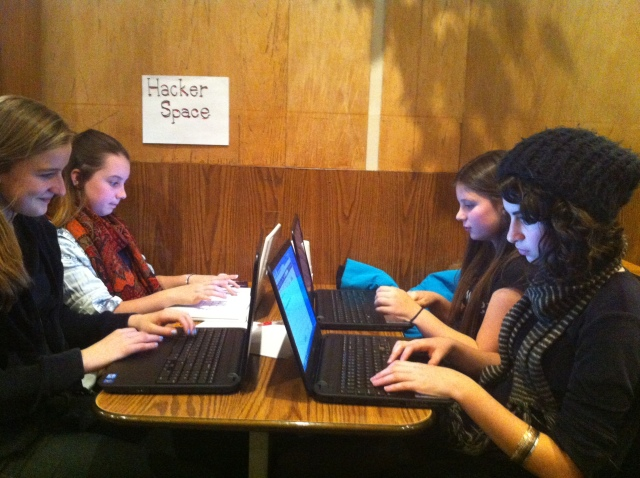 Our hackergirls at work!